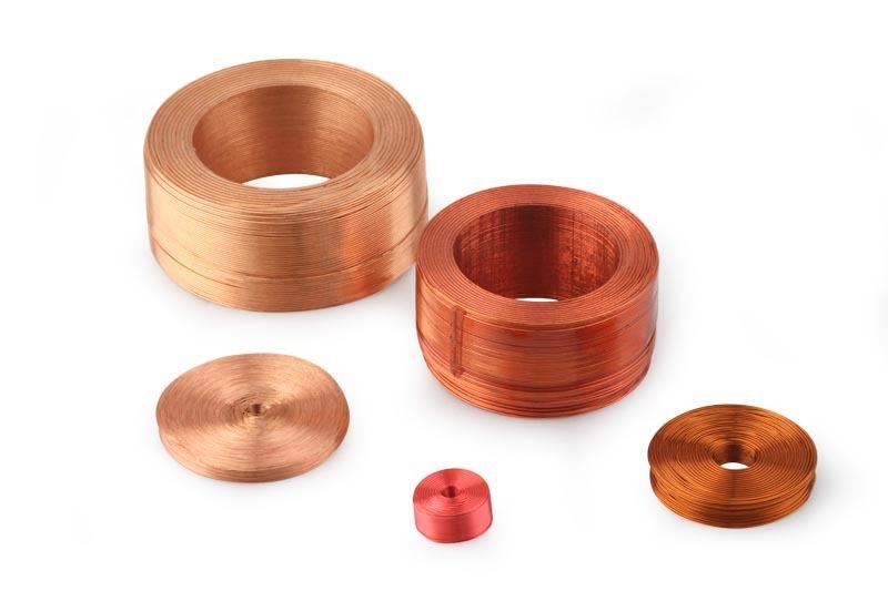 Photo de 5 bobines de plusieurs tailles
