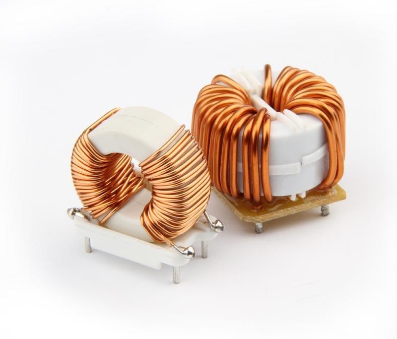 Photo de 2 bobines de cuivre